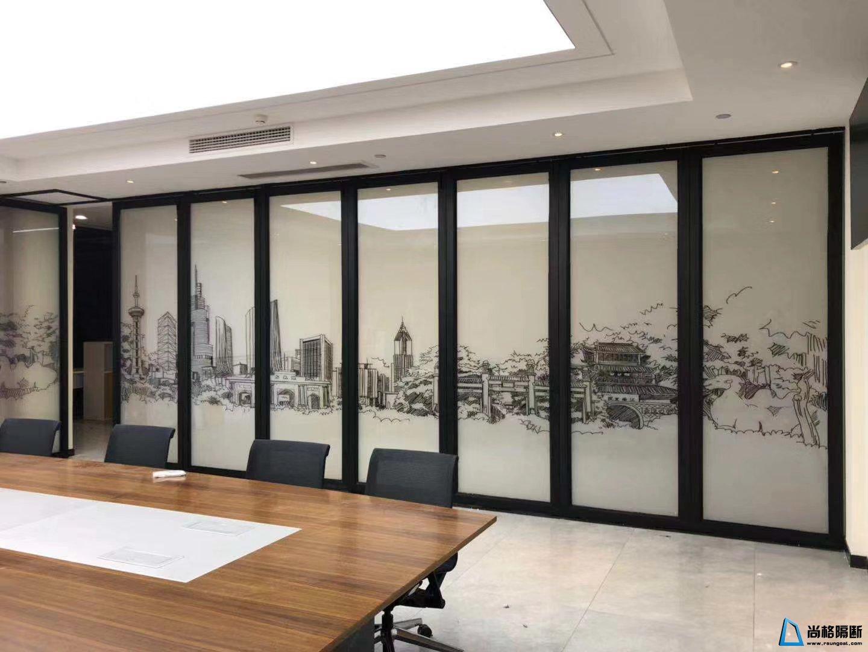 <b> 山水画饰面 有框调光玻璃 活动隔断</b>