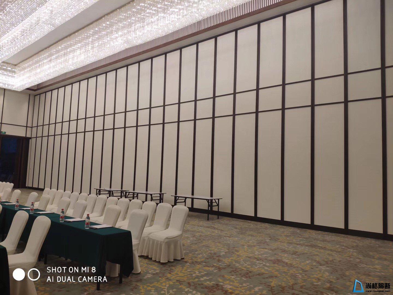 酒店超高活动隔断分割条设计